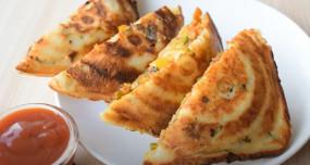 Sandwich: बिना ब्रेड के बनाएं टेस्टी और क्रिस्पी आलू सैंडविच, जानें रेसिपी