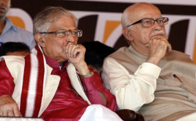 राजनीति: कांग्रेस के सवाल पर सरकार की सफाई- सुरक्षा के आधार पर आडवाणी-जोशी को आवंटित हुए हैं बंगले
