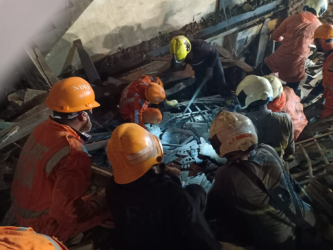 मुंबई में दो बड़े हादसे: भानुशाली इमारत का हिस्सा गिरने से अब तक 9 लोगों की मौत, बचाव कार्य जारी