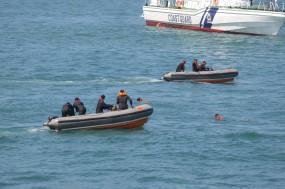 तटरक्षक, नौसेना ने रामेश्वरम से लगे समुद्र में 9 मछुआरों को बचाया