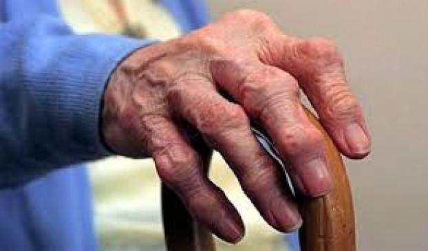 बुजुर्गों के लिए जानलेवा बना कोरोना, मरने वालों में 55 प्रतिशत आंकड़ा