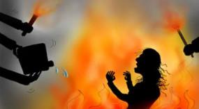 Crime: अब छत्तीसगढ़ में शर्मसार हुई इंसानियत, दुष्कर्म का विरोध करने पर किशोरी को जिंदा जलाया