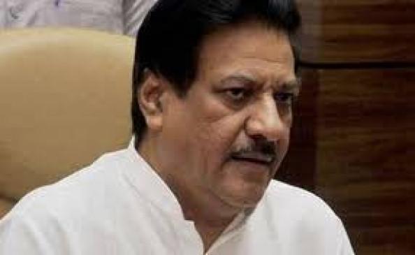 चुनाव आयोग ने विधानसभा चुनाव के दौरानभाजपा नेता को सौंपी थी अपने सोशल मीडिया पेज की जिम्मेदारी