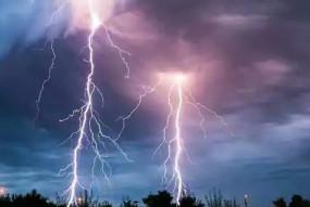 बिहार में आकाशीय बिजली गिरने से आठ लोगों की मौत