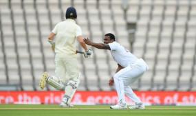 Eng vs WI,1st Test, Day 4: इंग्लैंड के तीन विकेट गिरे, डॉम सिबली का अर्धशतक, चायकाल तक 54 रनों की बढ़त