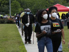 कोविड-19 के बीच अश्वेत अमेरिकियों, एशियाइयों के साथ नस्लभेद की आशंका अधिक