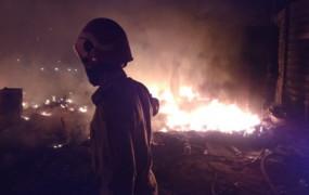 दिल्ली: रोहिणी के शाहबाद डेयरी इलाके में आग, 70 झोपड़ियां जलकर राख