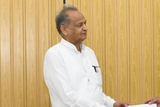 गहलोत विधायकों संग राजस्थान के राज्यपाल के आवास पर पहुंचे
