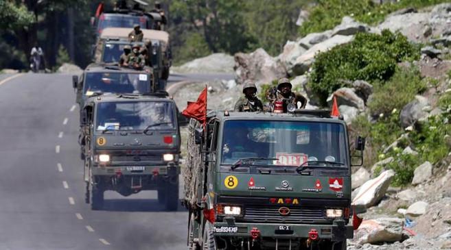 LAC standoff: भारत-चीन के बीच कूटनीतिक बातचीत, LAC पर सैनिकों की पूरी तरह से वापसी पर सहमति जताई