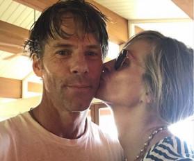 जूलिया रॉबर्ट्स, डैनी मोडर की शादी के 18 साल पूरे