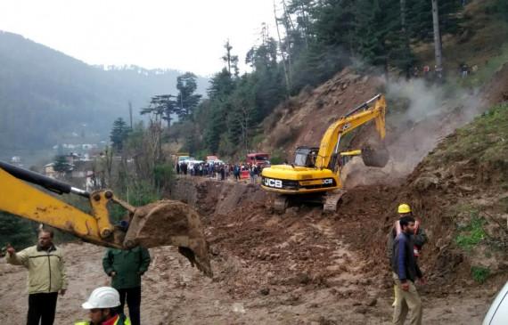 एनएच-10 पर भूस्खलन, बंगाल-सिक्किम सड़क मार्ग का संपर्क टूटा