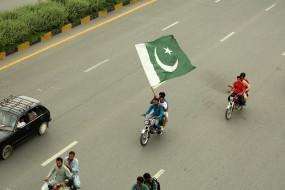 दुनिया में फटकार लेकिन शर्म पाकिस्तान को नहीं आती