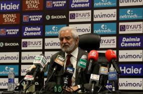 क्रिकेट: एहसान मनी ने कहा-पाकिस्तान तैयार लेकिन द्विपक्षीय सीरीज के लिए भारत के पीछ नहीं भागेगा