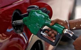 Fuel Price: डीजल की कीमत में आज फिर हुुई वृद्धि, जानें कितना बढ़ा भाव