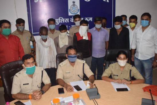 14 लाख के सामान के साथ पुलिस ने 5 चोरों को किया गिरफ्तार
