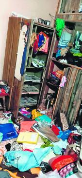 पुलिस अधिकारी के घर चोरी, परिवार था क्वारेंटाइन सेंटर में