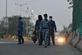 कानपुर: आरएएफ ने बिकरू गांव में संभाला मोर्चा, पुलिस ने लगाए चौपाल