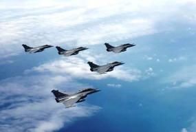 भारत में राफेल: अंबाला एयरबेस पर लैंड हुए पांचों लड़ाकू विमान,रक्षा मंत्री बोले- सैन्य इतिहास में नए युग की शुरुआत