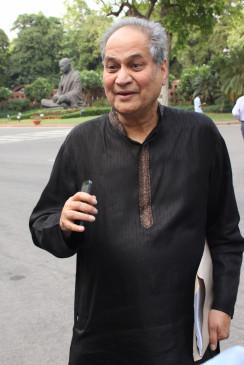 राहुल बजाज छोड़ेंगे फाइनेंस बॉस का पद, अब संभालेंगे बेटे संजीव