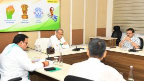 कोरोना की समीक्षा बैठक- प्रदेश के अन्य चिकित्सा संस्थानों में भी शुरू हो प्लाज्मा थैरेपी - मुख्यमंत्री आईसीएमआर से अनुमति लेने के साथ ही करें सुविधाओं का विस्तार