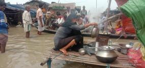 बिहार में नदियां उफान पर, कई क्षेत्रों में घुसा बाढ़ का पानी