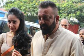 अपने जन्मदिन पर संजय दत्त ने पत्नी और बेटी को याद किया
