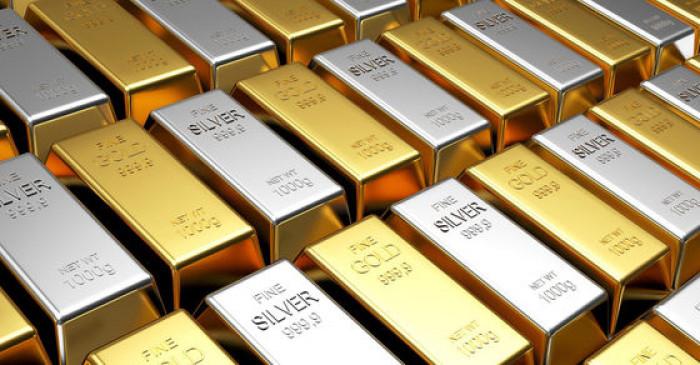 Gold-Silver Price: घरेलू वायदा बाजार में 57000 रुपये किलो हुई चांदी, रिकॉर्ड स्तर पर सोना