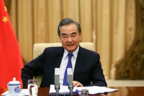 चीन-फ्रांस को द्विपक्षीय संबंध का विकास करना चाहिए : वांग यी