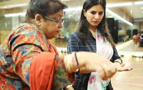 सनी लियोन को आई सरोज खान से लोक नृत्य सीखने की याद