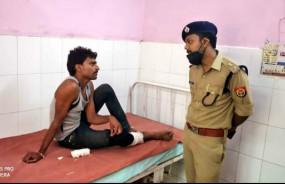 तिहरे हत्याकांड का इनामी मुठभेड़ में डकैत गिरफ्तार -पैर में लगी गोली से हुआ घायल