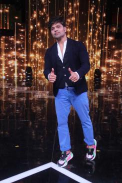 आज के गायकों को खुद ही अपना गाना कंपोज्ड करना चाहिए : हिमेश रेशमिया
