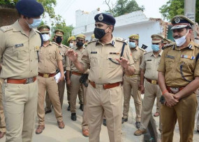 कानपुर: कुख्यात अपराधी विकास दुबे के संपर्क में थे 2 दारोगा और एक कॉन्सटेबल, SSP ने सस्पेंड किया