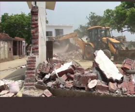 उत्तर प्रदेश: पुलिसकर्मियों का हत्यारा और विवेक का साथी गिरफ्तार
