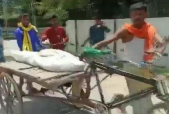 अमानवियता: बिहार में घर के पास शराब बेचने से मना करने पर महिला की हत्या, फिर ठेले पर ले जाना पड़ा शव
