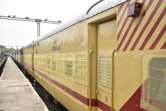 गोवा में टनल की दीवार क्षतिग्रस्त होने पर 3 ट्रेनों का मार्ग बदला