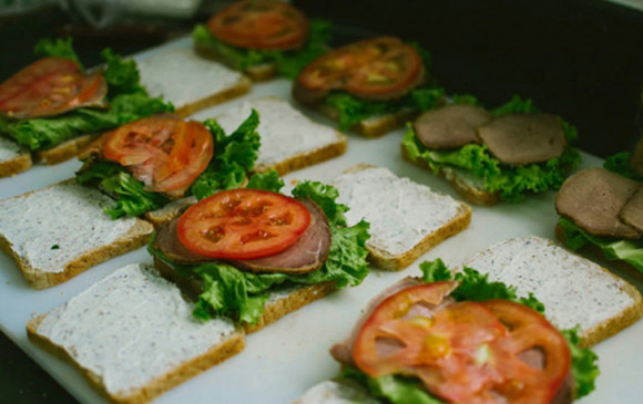 Food: जानिए 5 आसान और स्वादिष्ट ग्लटन फ्री स्नैक्स के बारे में