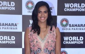 बैडमिंटन: सिंधु-सायना सहित 6 अन्य खिलाड़ी हैदराबाद में शुरू करेंगे ट्रेनिंग