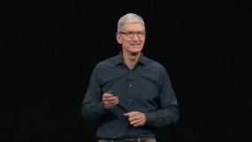 ऐप्पल के सीईओ पहली बार बने अरबपति