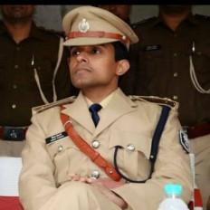 बिहार : सुशांत मामले की जांच करने मुंबई गए आईपीएस अधिकारी देर रात पटना लौटे