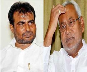 Bihar Politics: नीतीश कैबिनेट में उद्योग मंत्री श्याम रजक को JDU ने पार्टी से निकाला, RJD ने भी 3 विधायकों को निष्कासित किया
