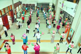 आयुक्त कार्यालय के सामने भाजपा पार्षदों का धरना