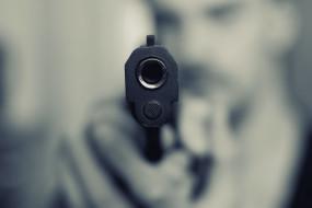आगरा की पॉश कॉलोनी में कारोबारी की गोली मारकर हत्या