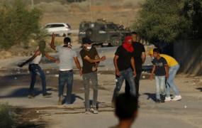 वेस्ट बैंक में झड़प, दर्जनों फिलिस्तीनी घायल