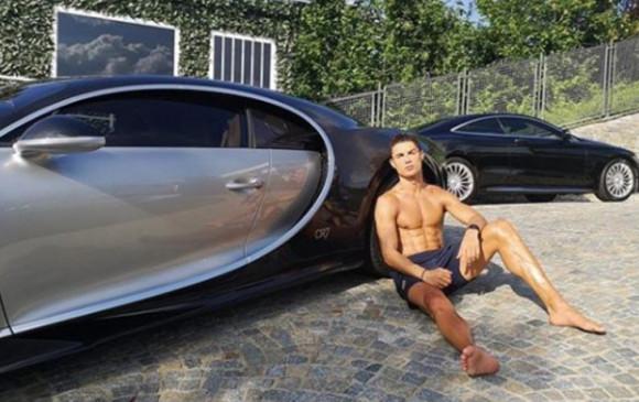 सुपरस्टार फुटबॉलर क्रिस्टियानो रोनाल्डो ने खरीदी दुनिया की सबसे महंगी कार, कीमत जानकर रह जाएंगे दंग