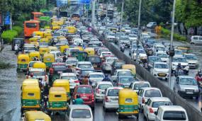लॉकडाउन में सड़कों पर आए 11,863 वाहनों के खिलाफ दिल्ली सरकार ने की कार्रवाई