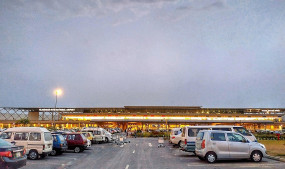 इस्लामाबाद हवाई अड्डे पर फॉल्स सिलिंग गिरी