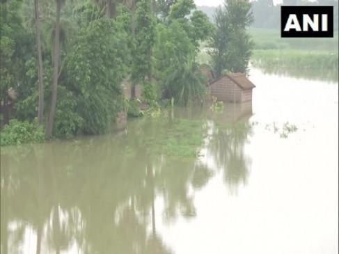 बिहार में बाढ़ से 16 जिलों में 74 लाख से अधिक की आबादी प्रभावित