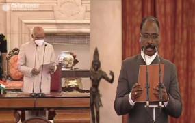 CAG: भारत के नए नियंत्रक महालेखा परीक्षक बने गिरीश चंद्र मुर्मू, राष्ट्रपति भवन में ली शपथ