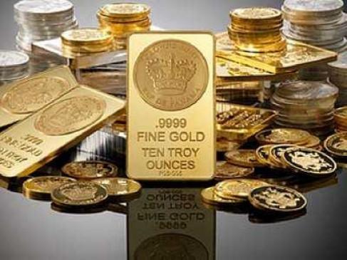 Gold Market: सोने के भाव में 94 रुपए की गिरावट, 782 बढ़ी चांदी की चमक, जानें किसकी कितनी कीमत