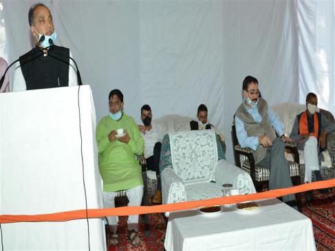 कांगड़ा: कोविड महामारी में भी विकास कार्य प्रभावित न हो यह सुनिश्चित कर रही है सरकारः मुख्यमंत्री